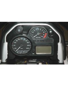 """Kryt palubní desky """"Cockpit cover 2"""" s velkou i malou 12V zásuvkou pro BMW R 1200 GS / Adventure od roku 2008"""